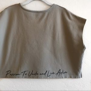 P'tula Debbie Simplified Crop Tee